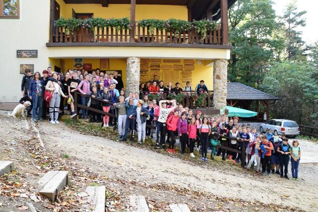Planinski pohod učencev 6. in 9. razredov